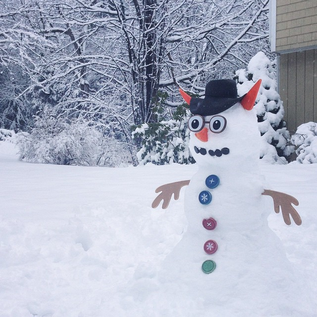 If the color of Spring is in flowers,  the color of Winter is in the imagination! #snowmangram #vermont